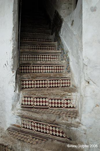 Voyages maroc 2006 mont e d escalier avec d cor en for Couleur montee escalier